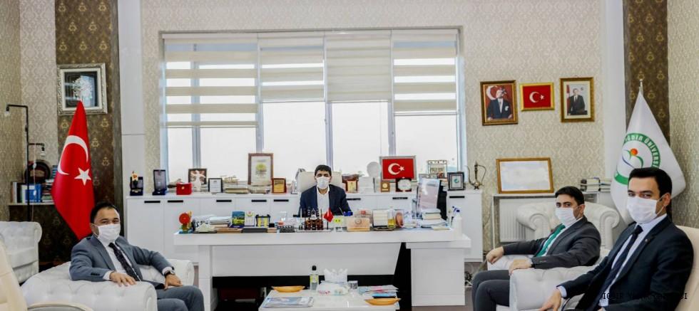 Iğdır'da Görev Yapan Bürokratlar Rektör  Alma'ya Nezaket Ziyareti Gerçekleştirdi